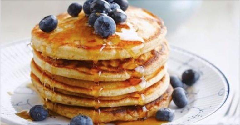 Photo of Soffici, gustosi, irresistibili: impariamo a preparare i veri pancake americani!