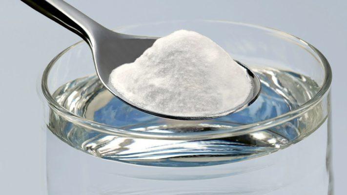 Come usare il bicarbonato per un bucato bianco e splendente