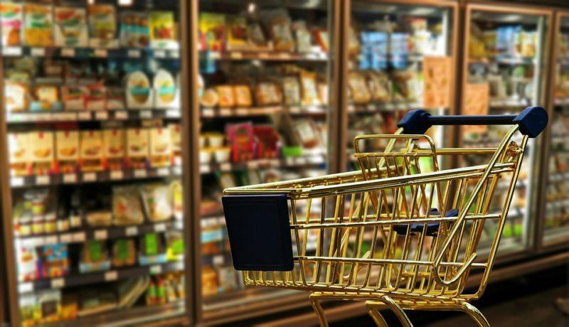 Anziano pensionato ruba in supermercato