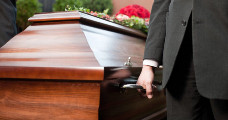 La credono morta, ma si risveglia prima di essere cremata