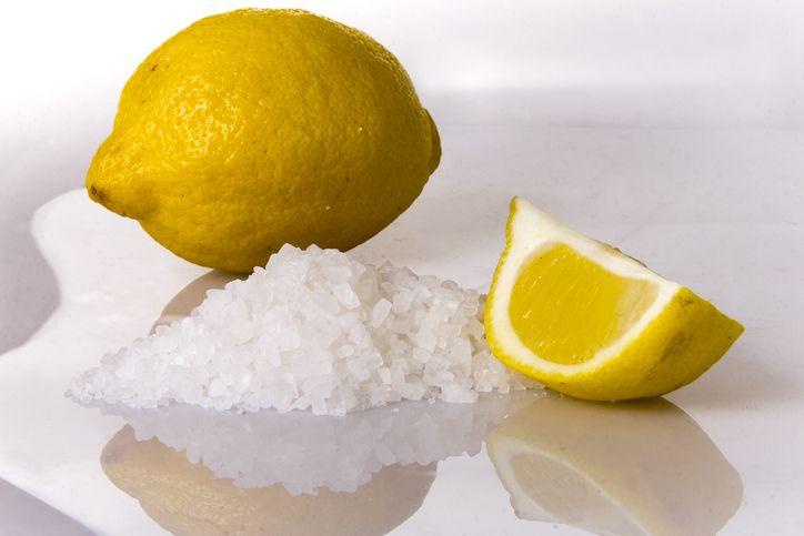 sale e limone emicrania