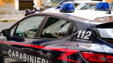 Photo of Lascia il figlio di 8 anni nell'auto accesa, tre ladri Rom la rubano. È accaduto a Padova