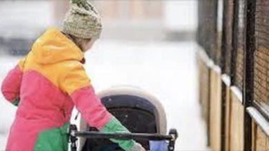 Photo of Neonato morto congelato. Lo avevano lasciato per 5 ore sul terrazzo a -20°