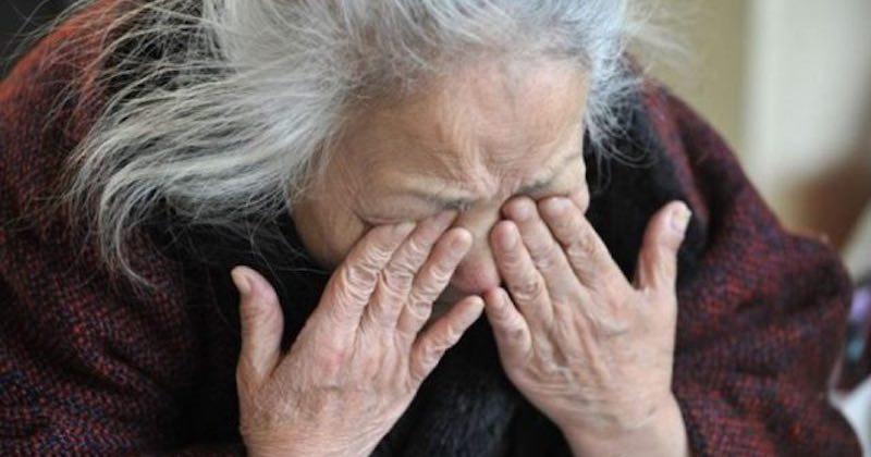 Anziana sfrattata da casa