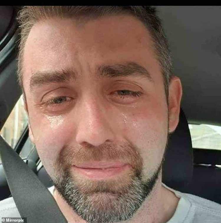Padre si suicida affitto