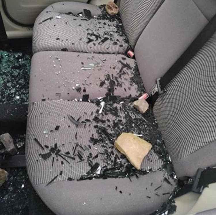 Coronavirus, distrutta l'auto di un medico
