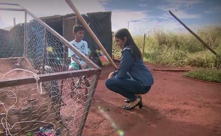 Il bambino con la giornalista