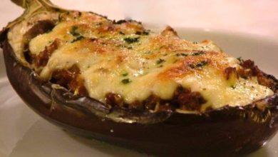 Photo of La ricetta per preparare le melanzane ripiene di pollo e formaggio