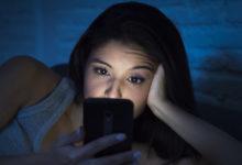 Photo of 3 motivi per smettere di usare lo smartphone di notte