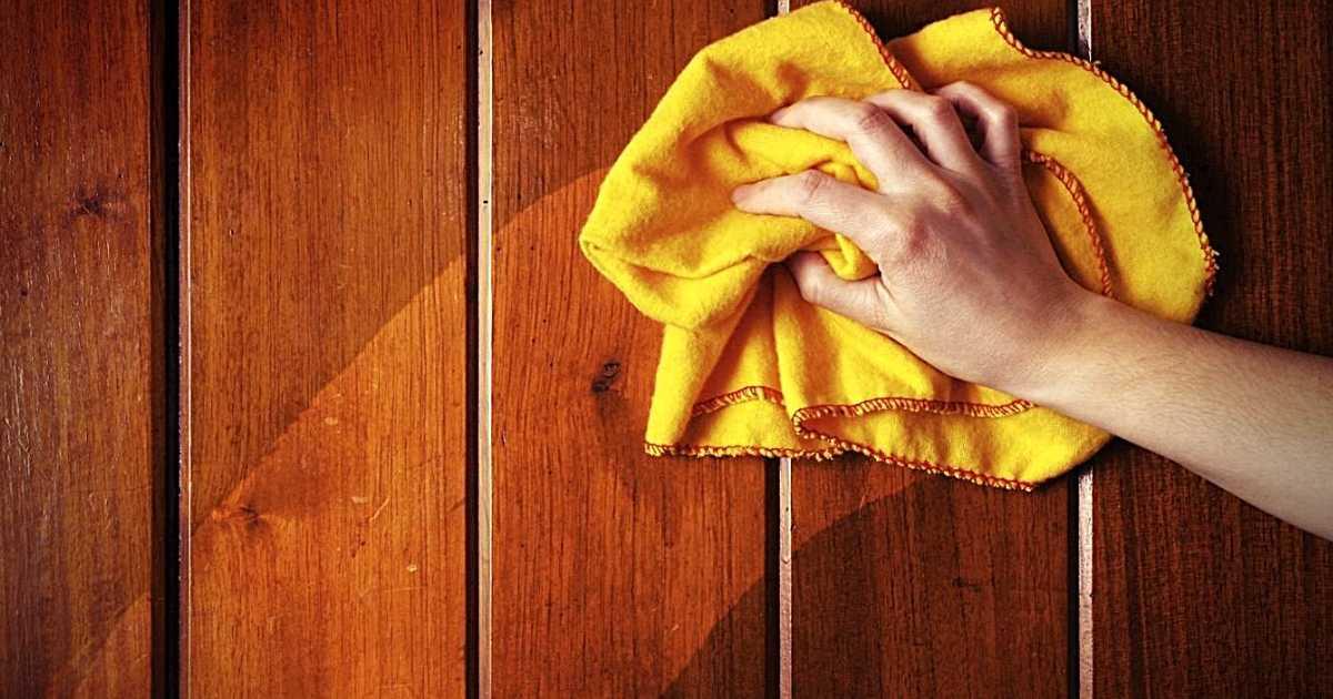 Come pulire senza sforzo i mobili in legno