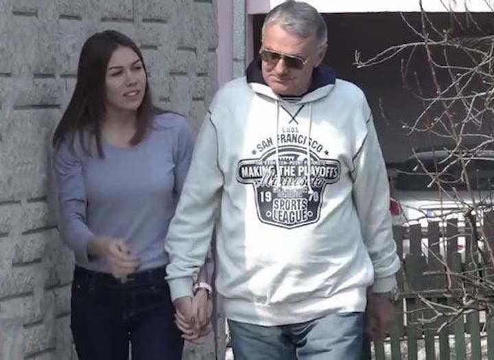 Ragazza di 21 anni e il suo fidanzato di 74 anni
