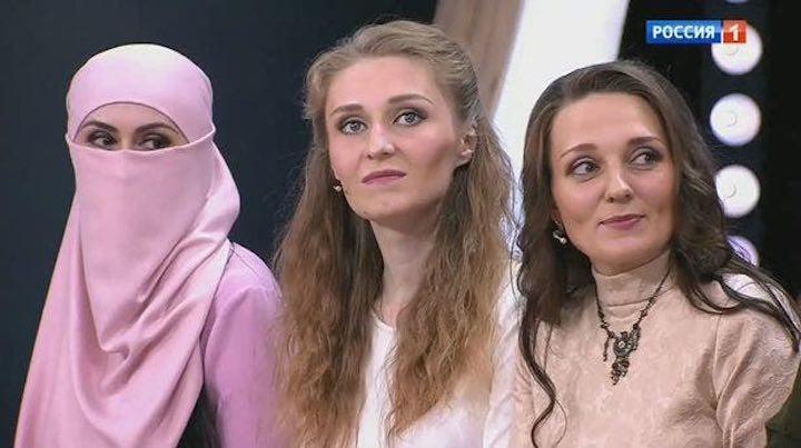 Un uomo sposato con tre donne